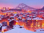雪中城市夜景高清风景壁纸
