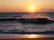 怡人的海上日出精美壁纸赏析