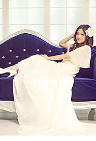 陆翊大展高雅公主时尚气质婚纱写真