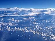 蓝天白云高空美景欣赏