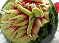 西瓜与体育的完美结合雕刻艺术高清图片