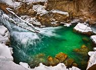 迷情山脉融雪高清风景壁纸