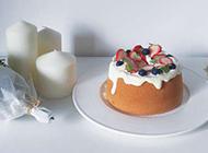 新鲜出炉的鲜奶蛋糕 香气美味浓郁