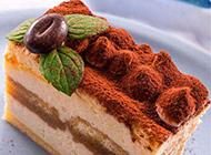 入口即化的巧克力慕斯蛋糕图片