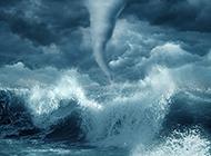 海边最强龙卷风摄影图片