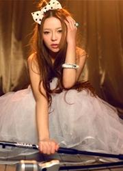 中国90后美女绝美人体艺术照