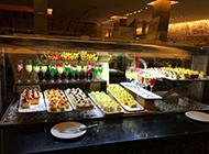 酒店甜品台琳琅满目的甜品美食