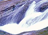 急湍奔流小溪流瀑布唯美景色