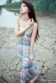 90后模特美女 户外清纯唯美写真
