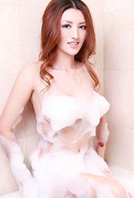 中国美女周鑫娅演绎人体艺术诱惑