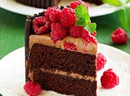 唯美巧克力树莓蛋糕图片