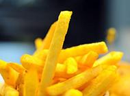 黄澄澄的薯条图片