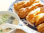 广东特色早餐豆浆油条