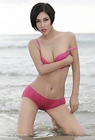 娜依灵儿海边湿身写真性感迷人
