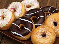 香甜可口的甜甜圈甜点美食图片