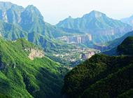 青翠苍茫的四川山川风景壁纸