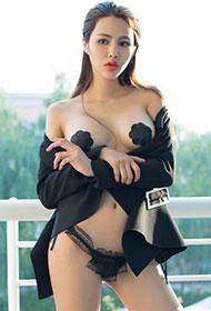 尤果女神研依大胆时尚人体艺术写真