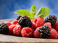 新鲜树莓诱人可口高清大图