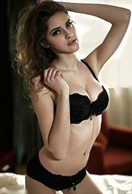 俄罗斯美女人体艺术写真欣赏