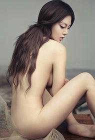 薄纱女的冷艳大胆人体艺术欣赏