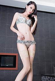 长腿美女内衣肉丝性感高清写真照