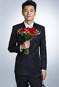 优雅王子张丹峰写真 口含玫瑰深情凝视