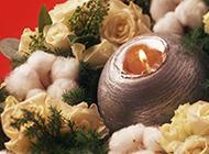 创意个性蜡烛和花球摄影图片
