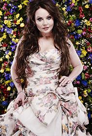 欧美明星莎拉·布莱曼长裙妩媚写真