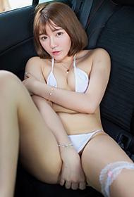 爱蜜社短发女神小宝酱车内慵懒性感写真