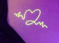 创意个性的荧光隐形纹身图案大全图片