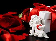 爱神天使与礼物玫瑰花图片素材