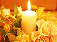 浪漫花束与蜡烛唯美图片