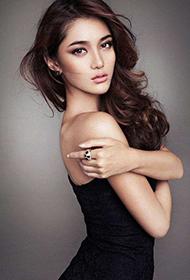 超性感的美女模特王熙然俘获人心写真照