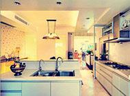雅致的东南亚风格开放式厨房效果图