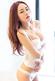 极品尤物李美妍大秀完美身段
