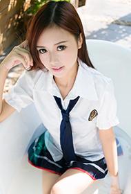 网络学生妹美女toro羽住迷人写真照