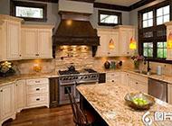 大户型简约整洁的厨房装修效果图
