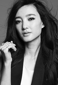 王丽坤优雅黑白风格清新写真