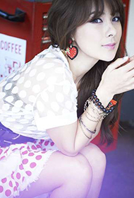韩国女星蔡妍夏日唯美写真