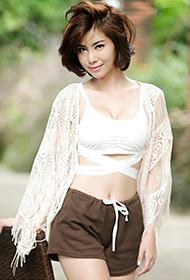 泰国短发网红Sathankorn Noomay美胸呼之欲出图片