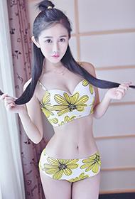 90后超瘦小蛮腰美女刘兰谱微博高清图