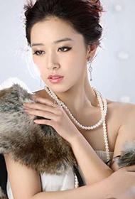 中国最漂亮女星阚清子优雅写真