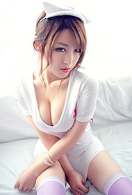 G罩杯超性感护士美女私房照