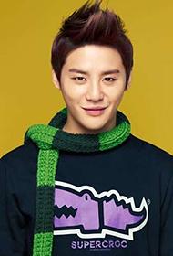 韩国男明星金俊秀冬季穿搭图片