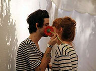 情侣甜蜜图片接吻唯美