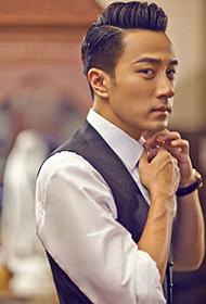 香港演员刘恺威西装革履展沉稳内敛气质