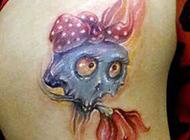 可爱女生臀部个性纹身图片