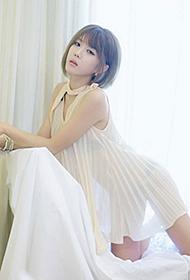韩国嫩模许允美薄纱若现浴火写真