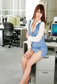 性感的美女秘书诱惑靓照