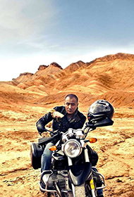 胡军沙漠拍摄狂野魅力写真大片